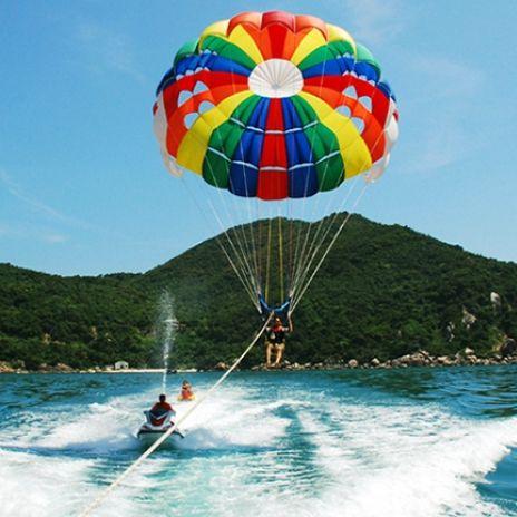 Parachute en la Boca